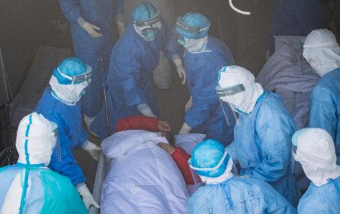 """火神山醫院重症醫學一科裏的""""生死戰"""""""
