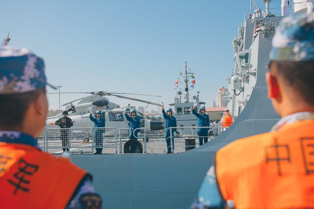海軍第33批護航編隊凱旋