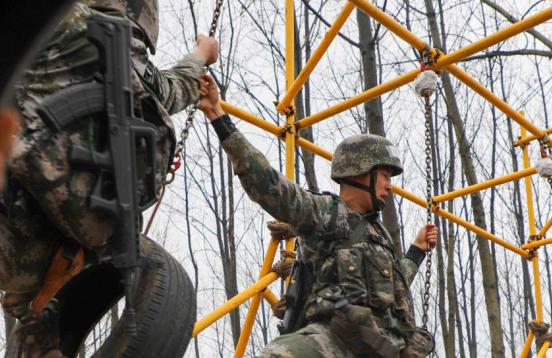 陸軍工程大學首次將軍事基礎競賽與野外綜合競賽結合舉辦