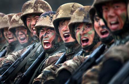 軍報評論:在激情奮鬥中綻放青春光芒