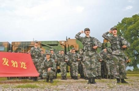 南部戰區陸軍某旅女子導彈連創下多項全軍紀錄