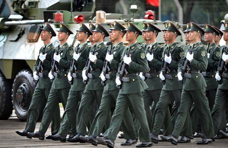 駐香港部隊探索構建特殊條件下新型軍政軍民關係