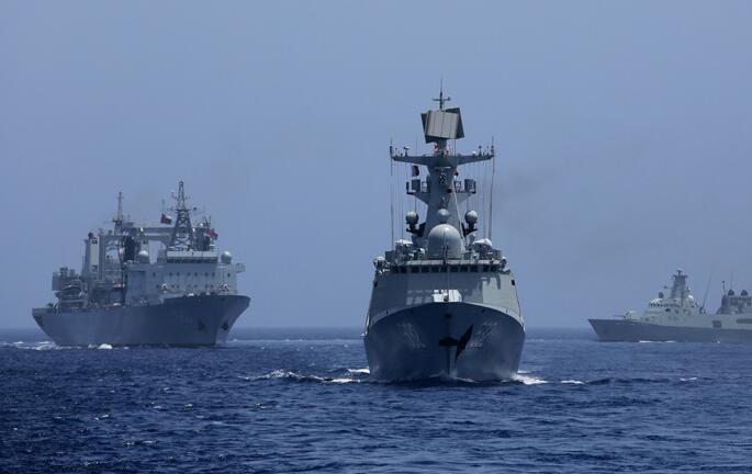 中國海軍遠航訪問編隊與阿曼海軍舉行海上聯合演習
