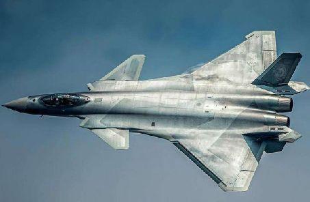 港媒稱殲-20開展首次實戰訓練 被英專家盛讚性能非凡