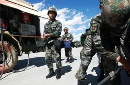 鄭州聯勤保障中心某團:開展遠距離大強度投送訓練