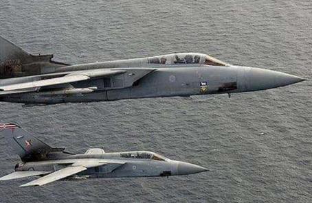 兩架英國皇家空軍戰機緊急起飛 攔截俄羅斯轟炸機